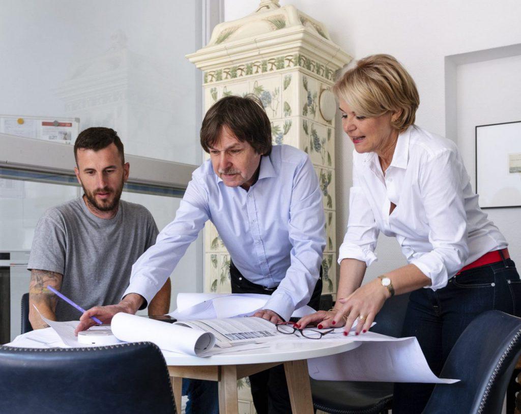 Team Sochiera bei der Arbeit